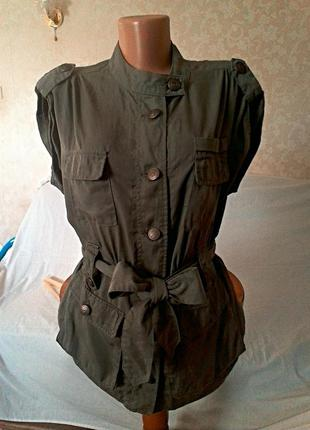 Пиджак /куртка/ в стиле милитари. / s. m.