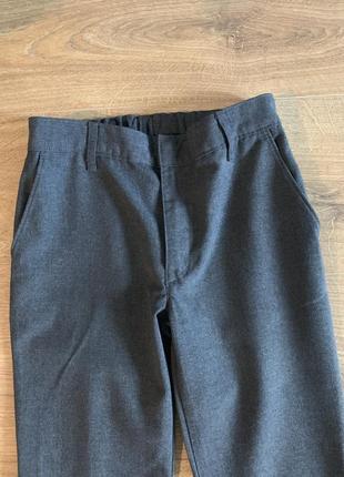 Серые школьные брюки m&s на рост 1342 фото