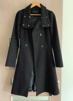 """Чёрное пальто """"reserved""""1 фото"""