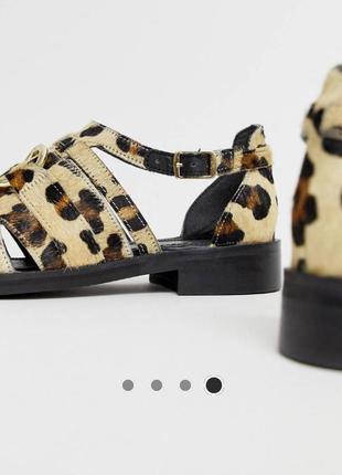 Дизайнерские леопардовые туфли из премиум кожи