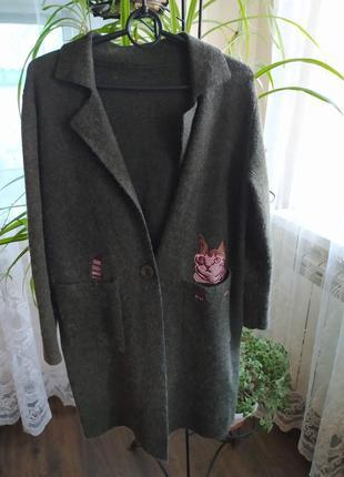 Кардиган-пальто с вышивкой