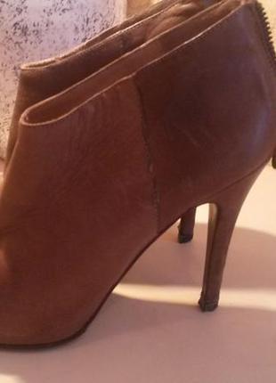 Ботинки (осень)massimo dutti