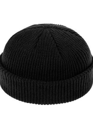 Короткая шапка вязаная чёрный