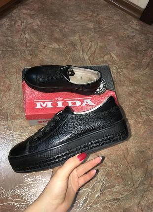 Кожаные туфли криперы