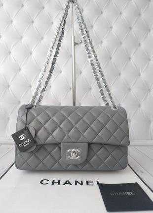 Современная женская сумка в стиле chanel!