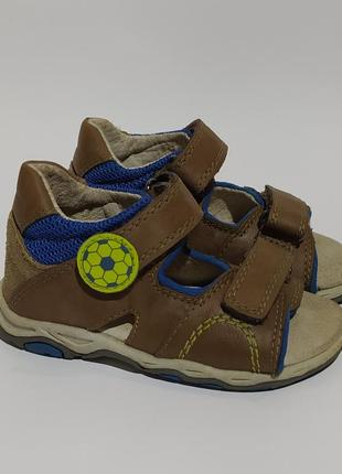Twisty оригинал сандалии босоножки на мальчика размер 23