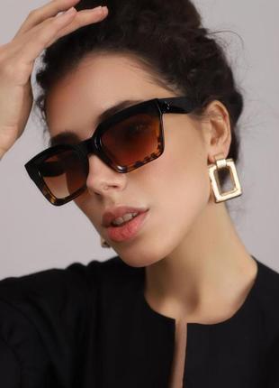 Качественные солнцезащитные очки квадратные  черные роговые янтарь леопард окуляри