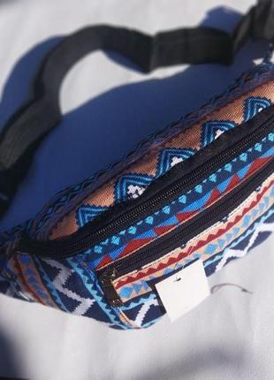 Супер стильная и модная поясная сумка-бананка цвет бежево-синий