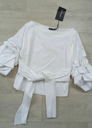Красивая блуза с поясом