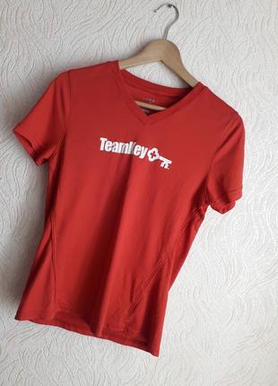 Новая спортивная футболка