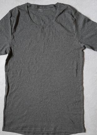 Базовая ,нательная футболка livergy