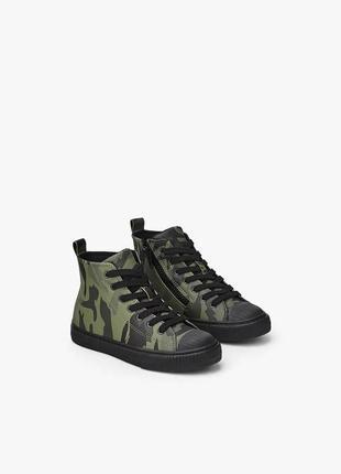 Zara высокие ботинки кеды с камуфляжным принтом. на осень2 фото