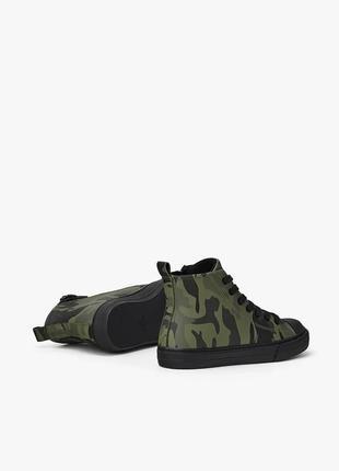 Zara высокие ботинки кеды с камуфляжным принтом. на осень4 фото