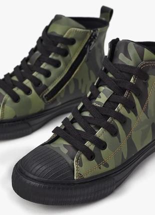 Zara высокие ботинки кеды с камуфляжным принтом. на осень5 фото