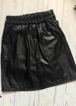 Детская черная юбка эко кожа можно в школу1 фото