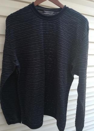 Фирм.легкий свитер