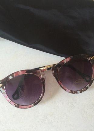 Солцезащитные очки
