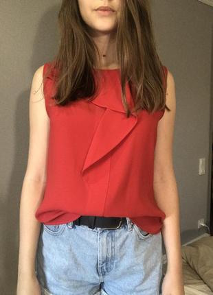 Блуза с красивым воланом zara