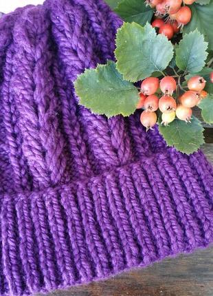 Женская шапка из обьемной пряжи
