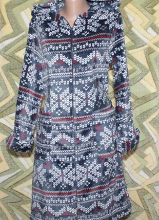 Женский халат на молнии с капюшоном