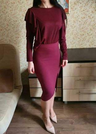 Красивая бордовая легкая  кофточка с рюшами размер м4 фото