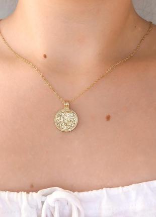 Медальон в золоте