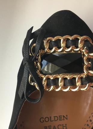 Красивые туфли на шпильке, на каблуке