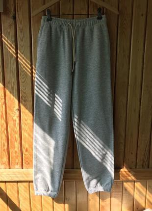 Женские спортивные штаны. новые