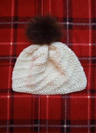 Вязаная осенняя шапка