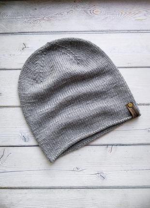 Стильная шапка бини из мериноса ручной работы