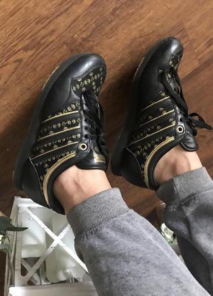 Стильные черные кроссовки adidas missy elliot