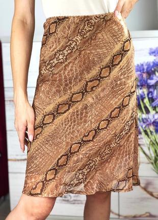 Легкая юбка миди в питоновый принт