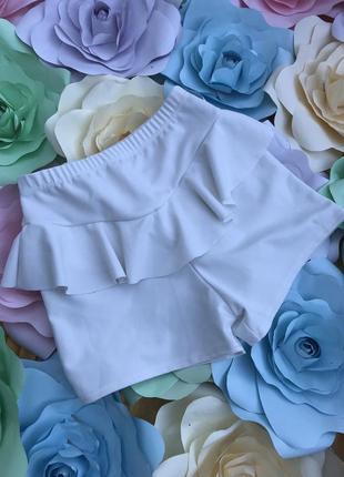 Идеально белые шорты