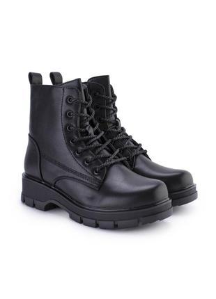 Грубые ботинки со шнуровкой. (на байке)