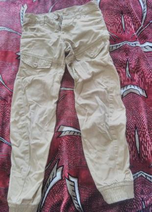 Горчичные штаны  джинсы на мальчика 7-9 лет