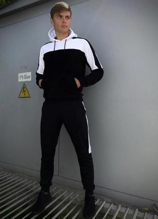 Мужской спортивный костюм черный-белый spirited intruder + ключница в подарок