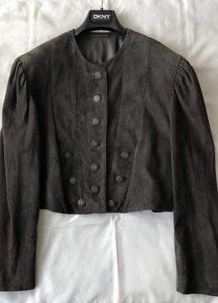 Куртка с объёмными рукавами . велюровая кожа.
