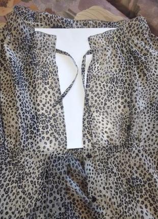 Актуальна блузка в леопардовий принт5 фото