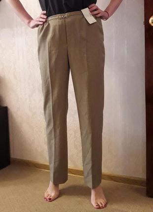 Бежевые классические брюки со стрелками