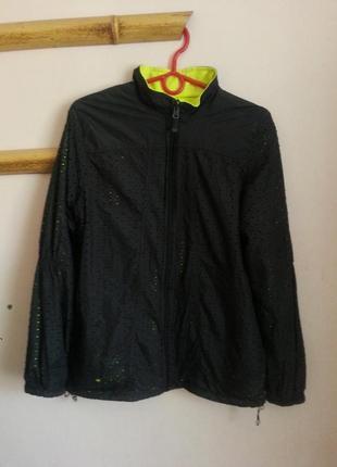 Спортивная куртка на осень