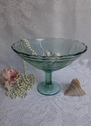 Ваза для фруктов фруктовница ссср прессстекло на ножке зеленое цветное стекло
