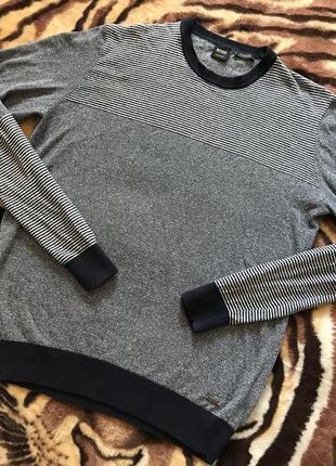 Не реально крутой свитер от hugo boss