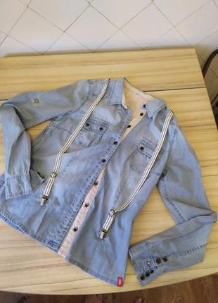 Стильная  котоновая рубашка с подтяжками  от edc.размер ,l