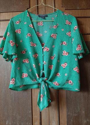 Актуальная блуза на пуговицах с завязками в цветы primark