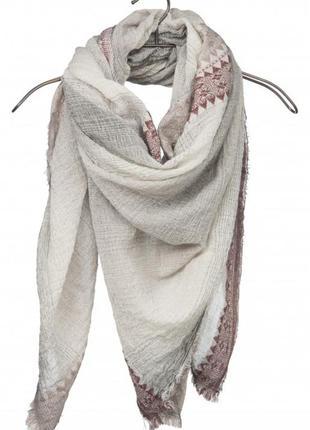 Большой платок с орнаментом ya-ya