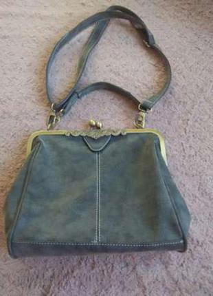 Красивая сумка в стиле ретро