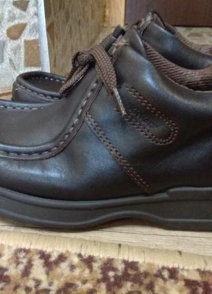 Шкіряні фірмові туфельки 33 розмір