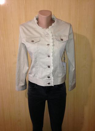 Пиджак жакет курточка светлая джинсовка джинсовая куртка  называйте свою адекватную цену!!