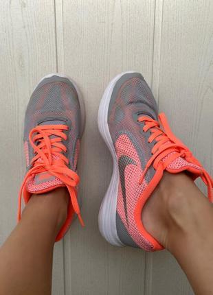 Nike revolution woman  3 gs