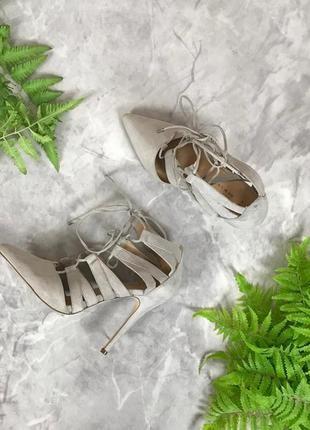 Аккуратные туфли со шнуровкой на тонком каблуке  sh1913038  new look